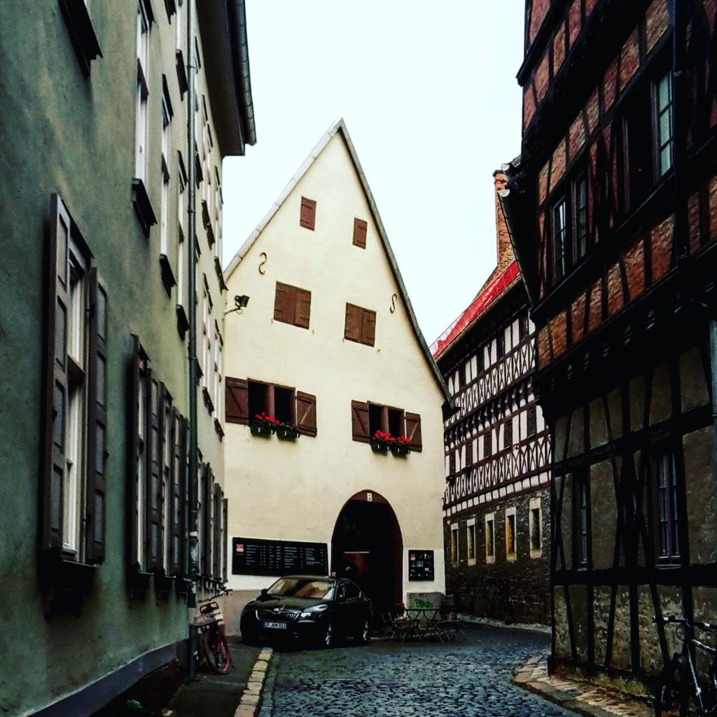 """Das """"Haus ohne Dach"""" in der Waagegasse"""