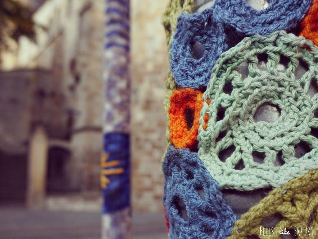 Urban Knitting in der Stiftsgasse neben dem Erfurter Dom