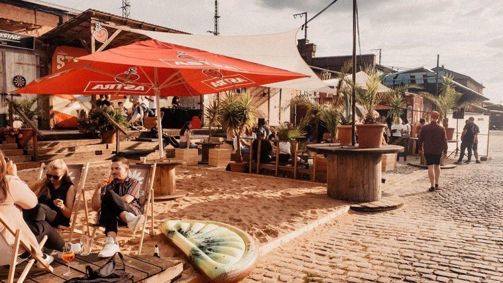Stattstrand Erfurt, Menschen, Sand, gute Stimmung