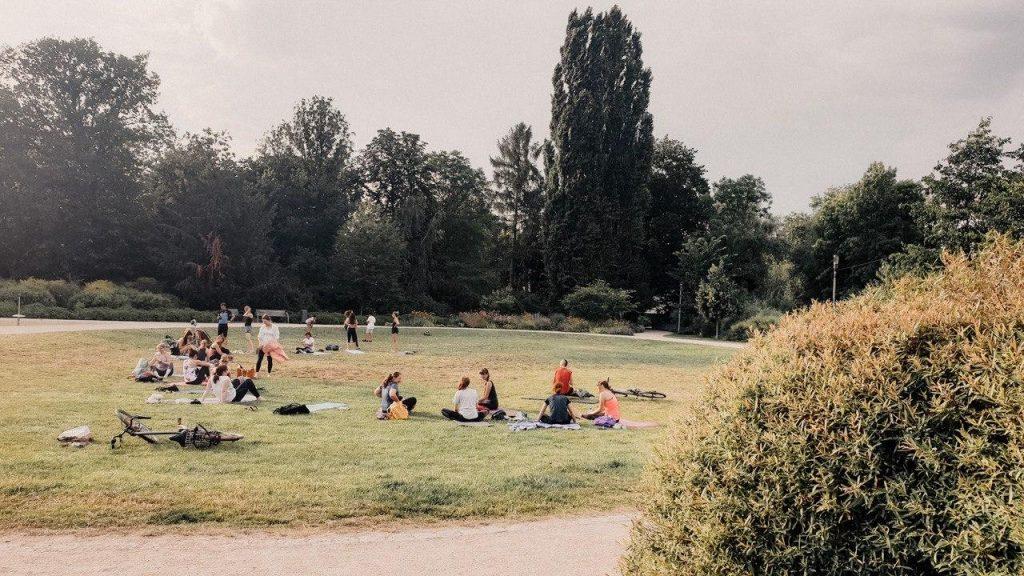 Yogakurs im Luisenpark in Erfurt