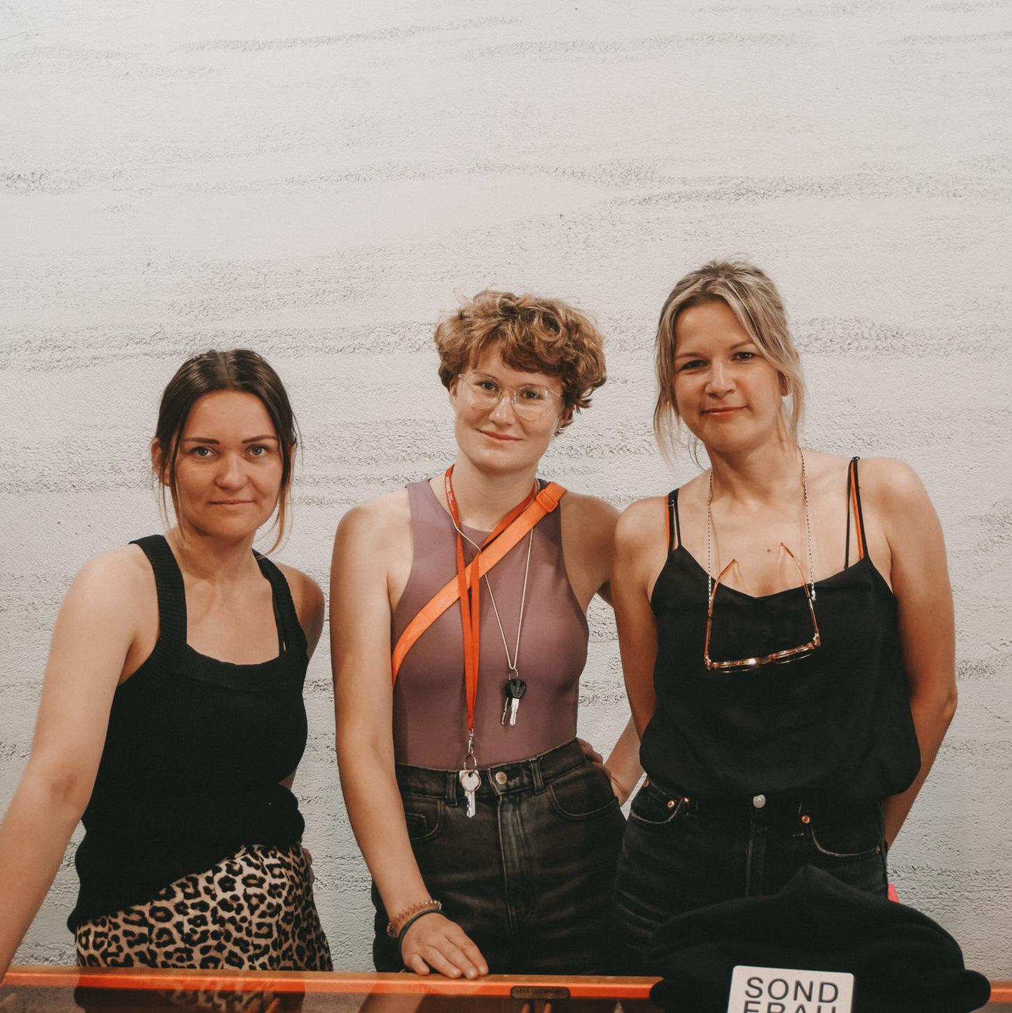 Anita Grey, Karolin Hertlein und Judith